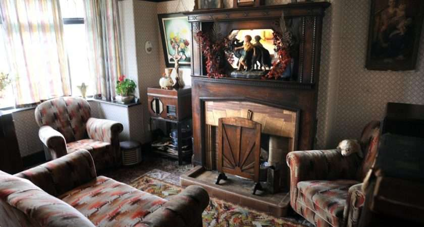 Aaron Themed Living Room Which Cost Thousands Pounds