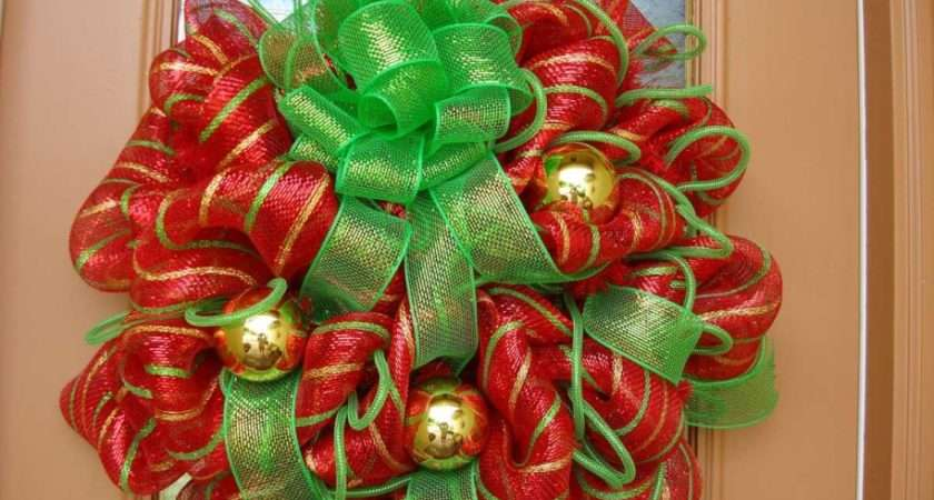 Also Gold Balls Christmas Wreaths Decoration Ideas