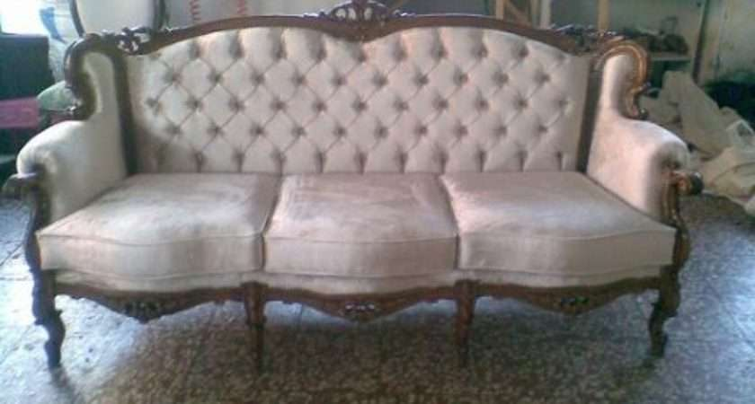 Antique Looking Sofa Extraordinary Old Fashioned