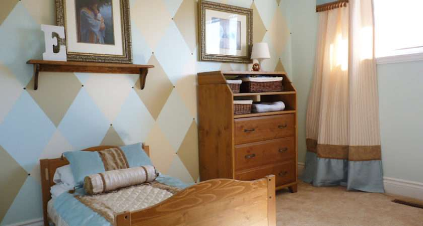 Argyle Style Feature Wall Tutorial