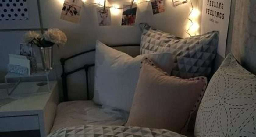 Awesome Fairy Light Decor Teen Bedroom Thecolorwild
