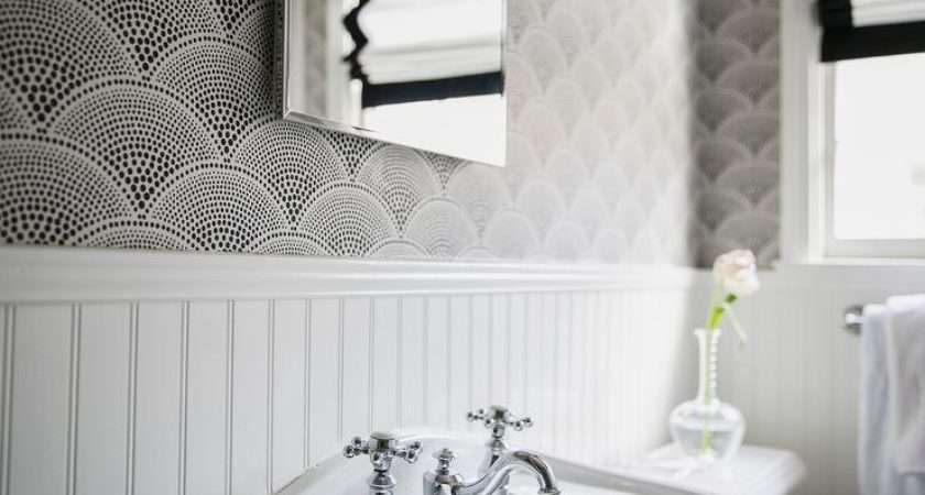 Bathroom Black White Fan Shaped Beadboard