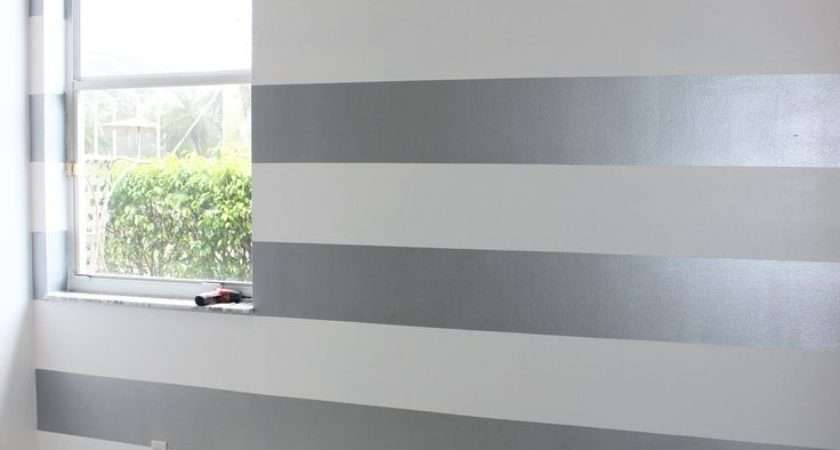 Best Horizontal Stripes Wall Accents