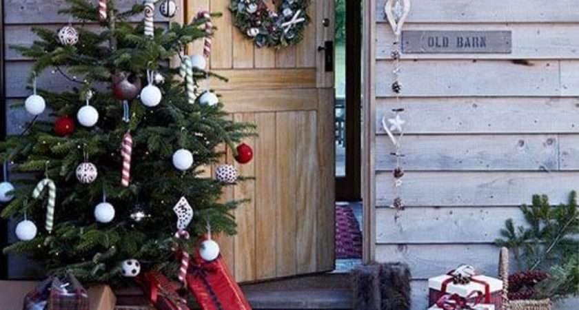Best Outdoor Christmas Tree Decorations Designs