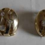 Bidding Job Lot Costume Jewellery Which Includes