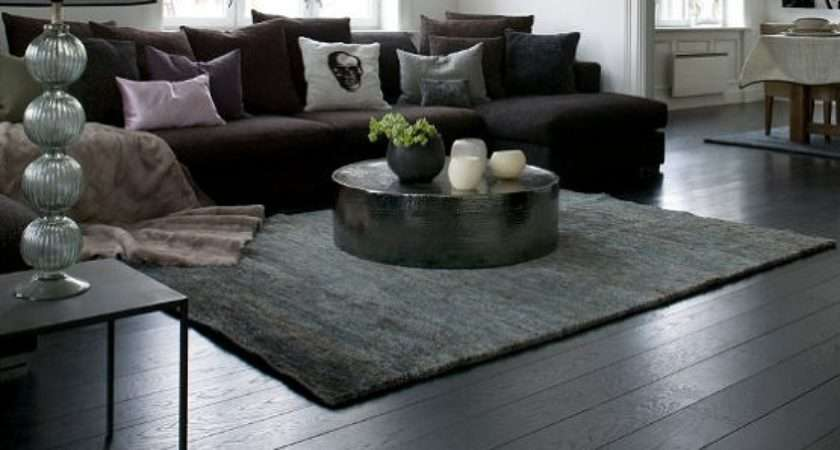Black Wooden Flooring Brings Contemporary Stylish Look