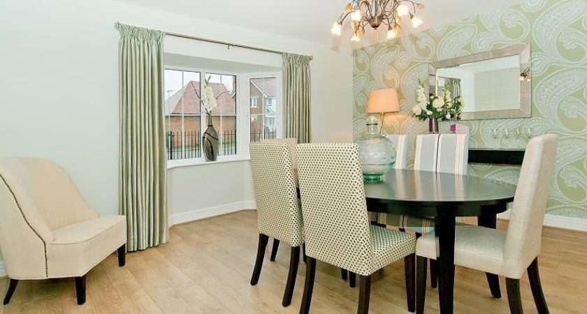 Bright Flowers White Dining Room Feature Wall Elegant