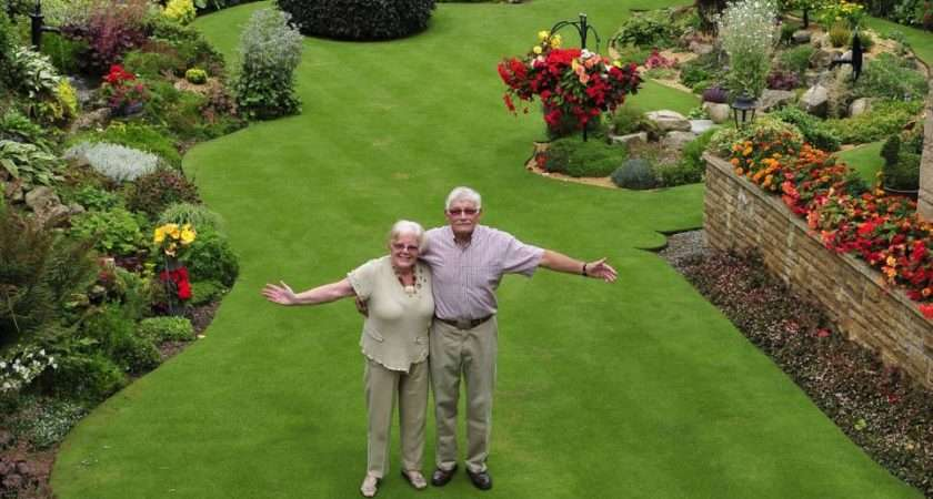 Britain Most Immaculate Garden Pensioner Spends Hours