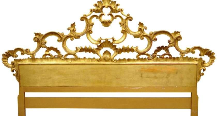 Carved Hollywood Regency French Rococo Style Giltwood King