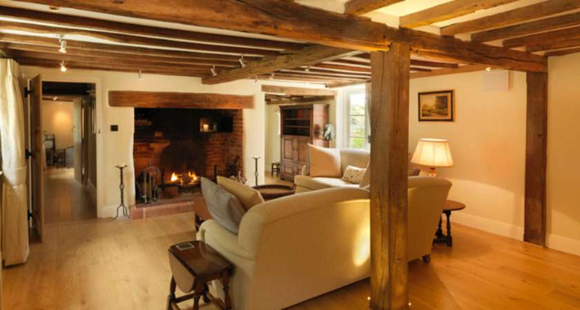 Century Thatched Cottage Country Living Room