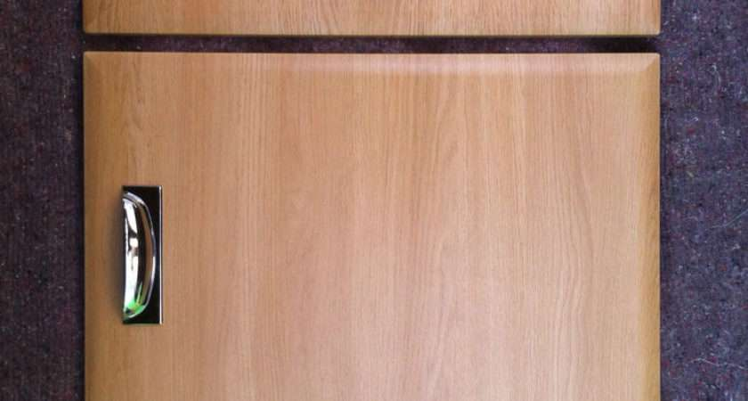 Chamfered Light Oak Kitchen Cupboard Doors Fit Howdens