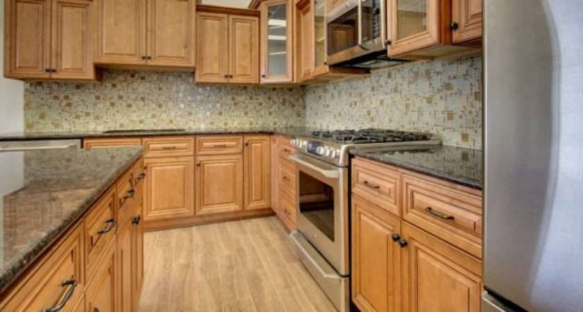 Choose Right Hardware Your Kitchen Cabinets