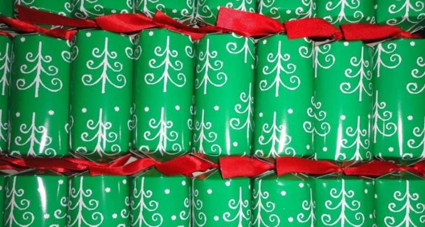 Christmas Party Crackers Tree Design Poppers