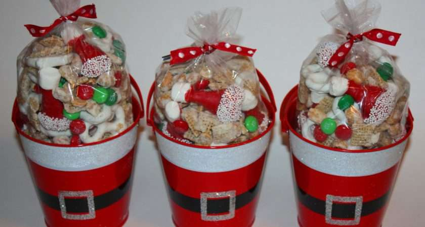 Christy Homemade Gift Santa Party Mix