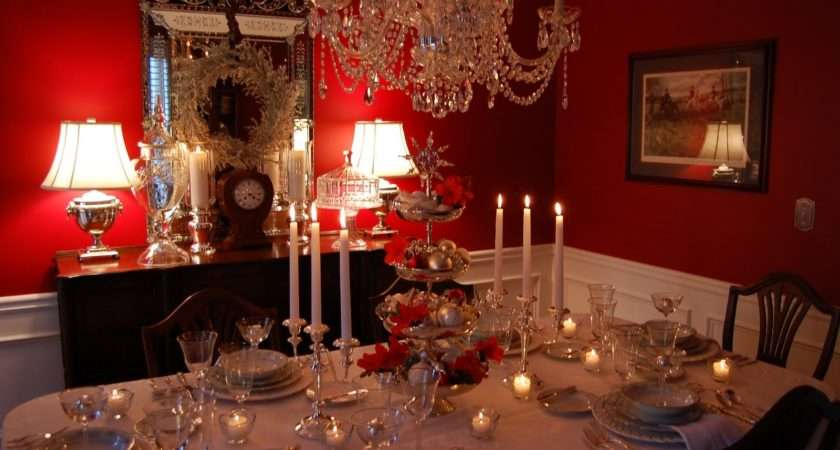 Classy Christmas Dining Room Table Decoration Ideas