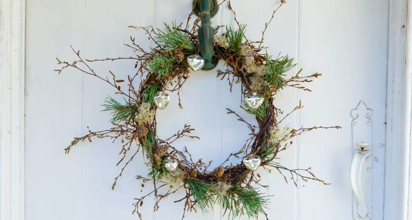 Contemporary Christmas Door Wreath Gardenersworld
