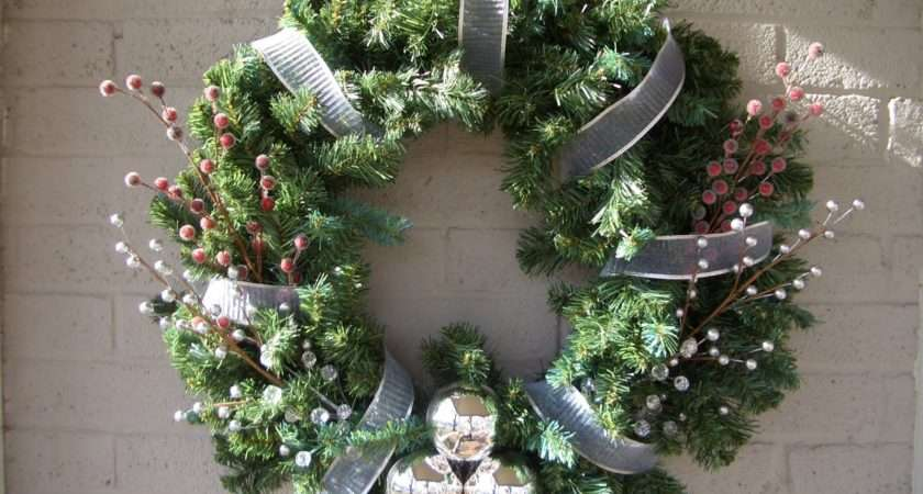 Cool Home Creations Christmas Decor Greenery Wreath