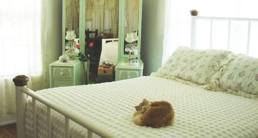 Country Farm Home Bedroom Style
