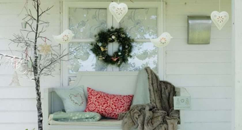 Create Festive Outdoor Space Country Christmas