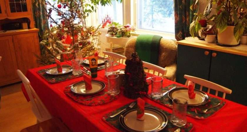 Decorate Your Table Christmas Set
