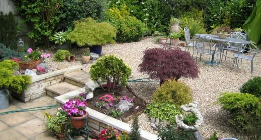 Decorating Ideas Small Garden Decoration