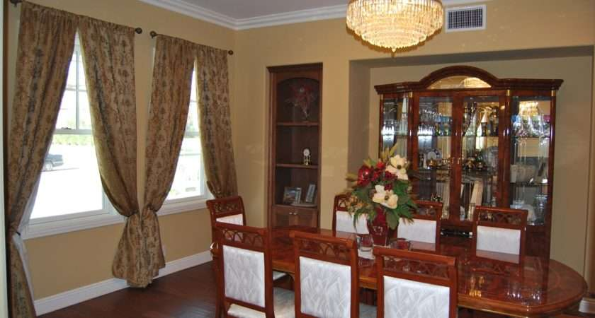 Decorating Small Dining Room Ideas