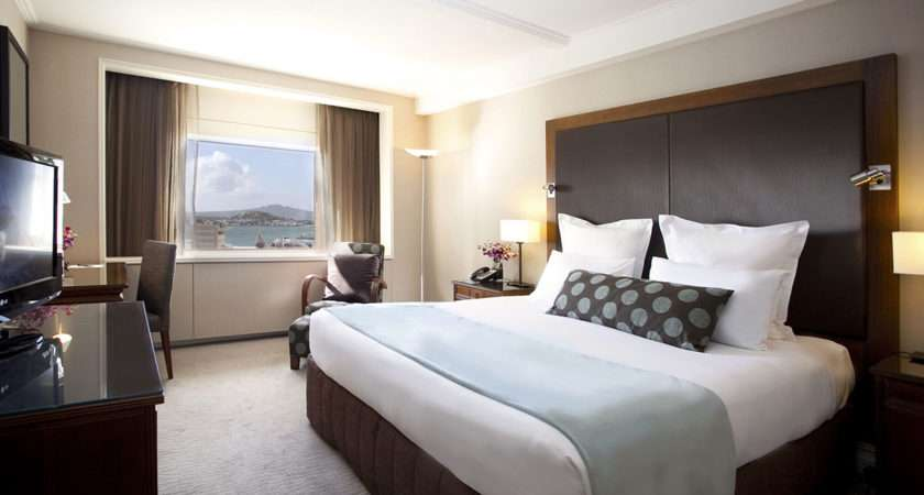 Design Your Room Like Sophisticated Hotel Suite