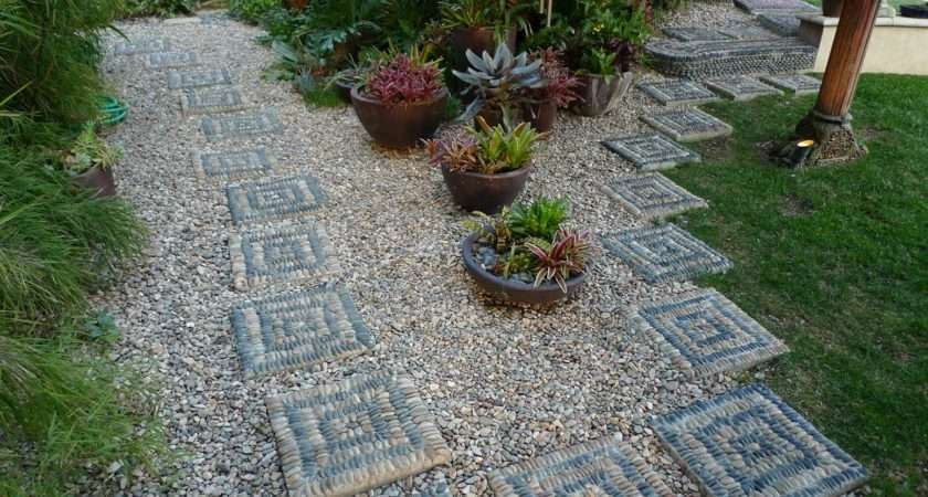 Diy Stepping Stones Gorgeous Landscape