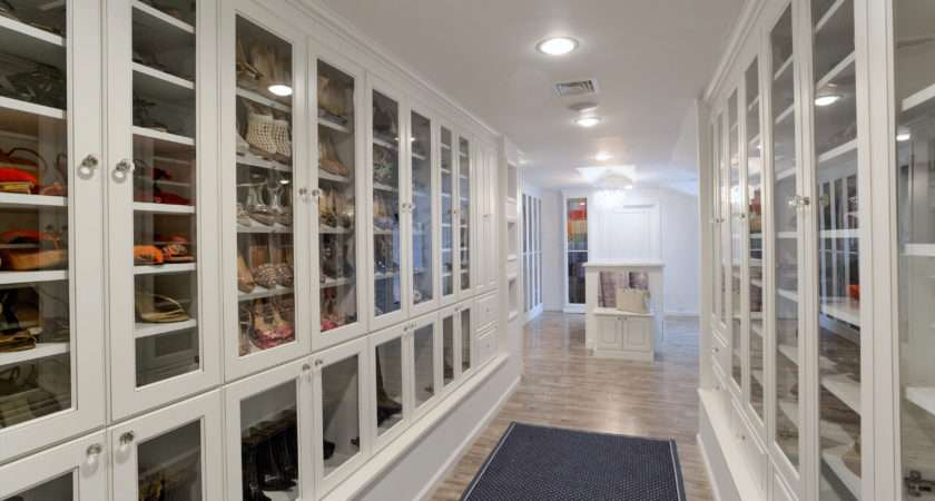Dressing Rooms Sophisticated Storage Solutions