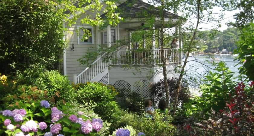 Every Summer Camden Garden Club Holds House Tour