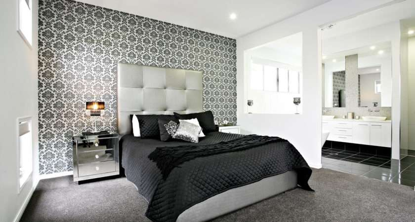 Feature Wall Makes Dramatic Backdrop Bed