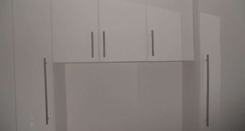 Find Fitted Wardrobes Over Bed Designinterior Xyz