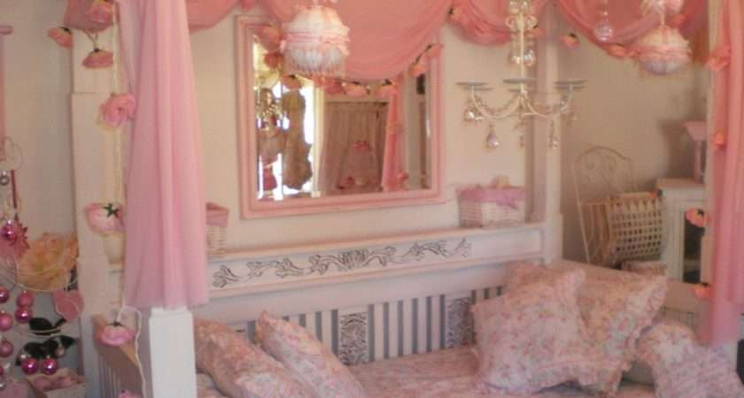 Four Poster Daybed Kawaii Bedrooms Pinterest Daybeds