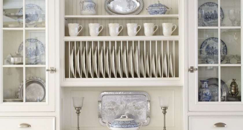 Gorgeous Blue Willow Dishes Kitchen Traditional
