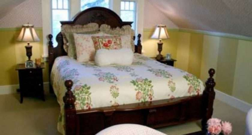 Guest Bedroom Decorating Ideas Small Tiny Room