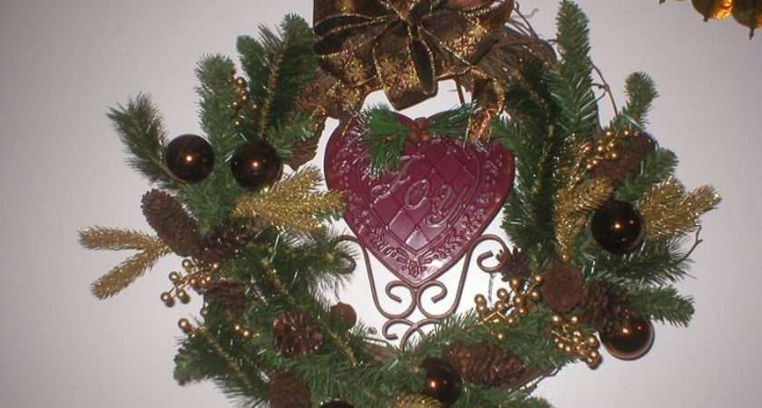 Hand Holiday Wreaths Holidays Decorations Traditional Wreath
