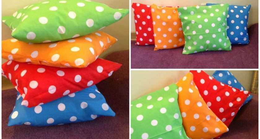 Handful Buttons Make Simple Cushion