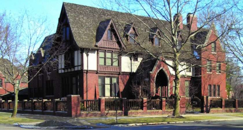 Holiday Tours Show Off Historic Detroit Homes