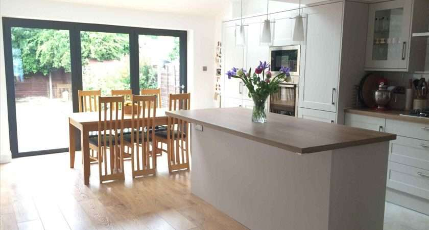 Howdens Handleless Kitchens Deductour
