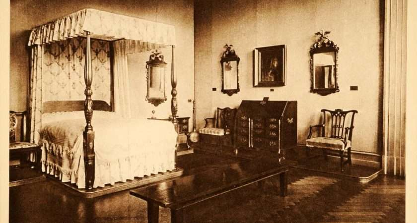 Intaglio Print Colonial Bedroom Furniture Four Poster Bed Desk