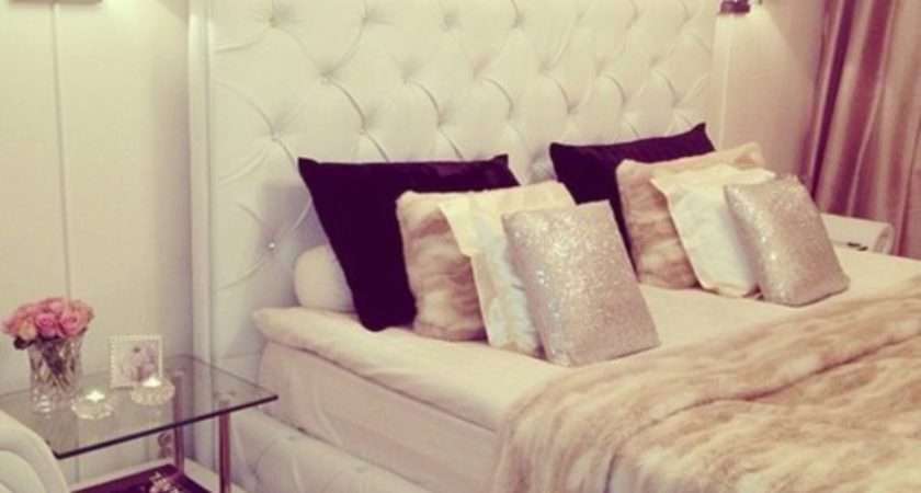 Jewels Bedroom Luxury Beige Pillow Chanel Crystal