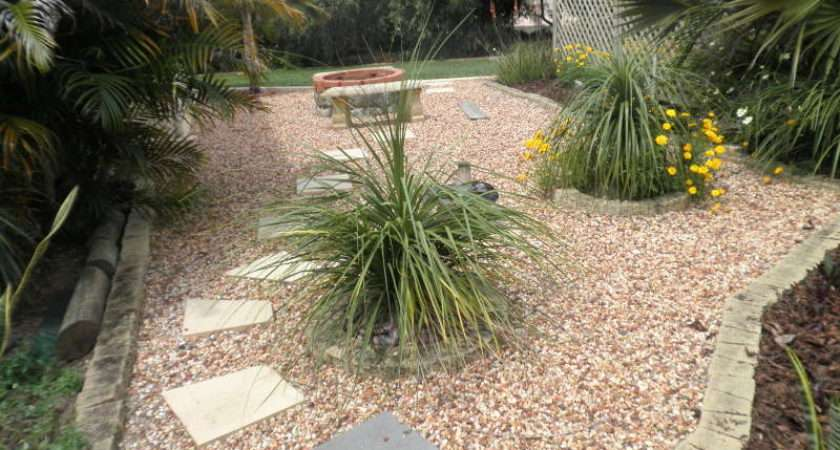 Landscaped Garden Design Using Pebbles Vegetable