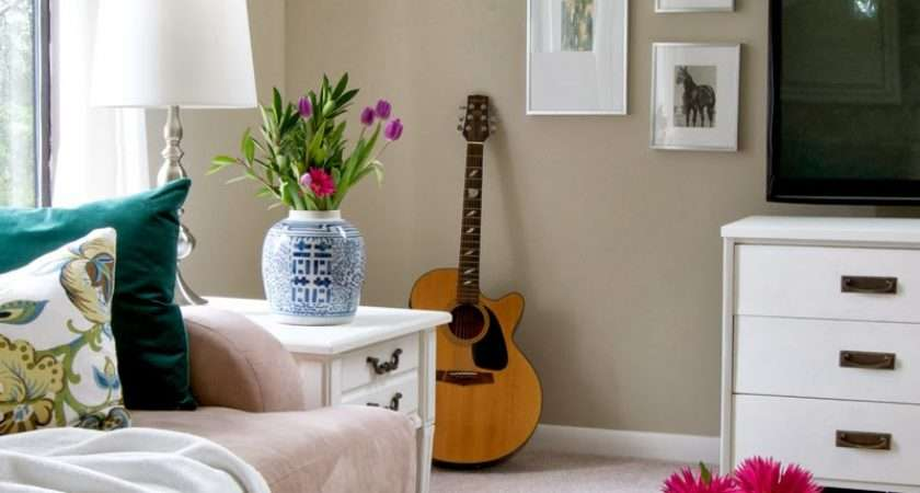 Livelovediy Budget Decorating Tips