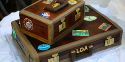 Luggage Cakes Cupcakes Cake Ideas Decor Bon Voyage