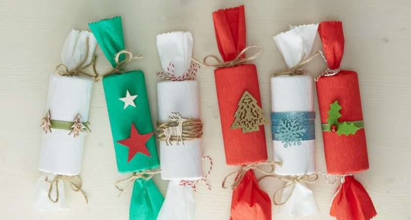 Make Christmas Crackers Hobbycraft