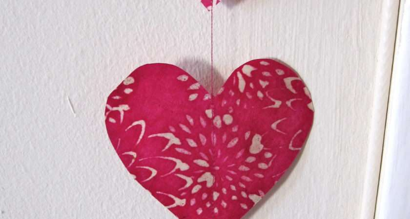 Make Hanging Paper Decorations Six Twists