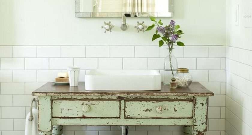 Making Shabby Chic Bathroom
