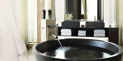 Most Luxury Hotel Bathrooms Have Least One Wow Factor Element