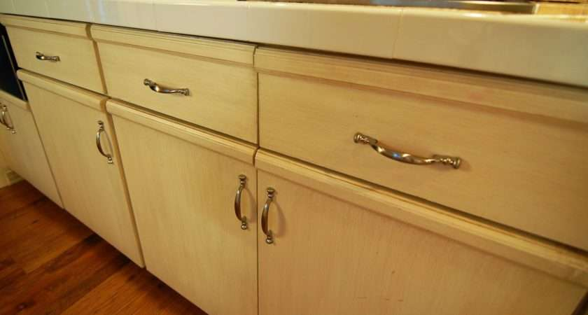 North Dallas Real Estate Updating Kitchen Cabinets