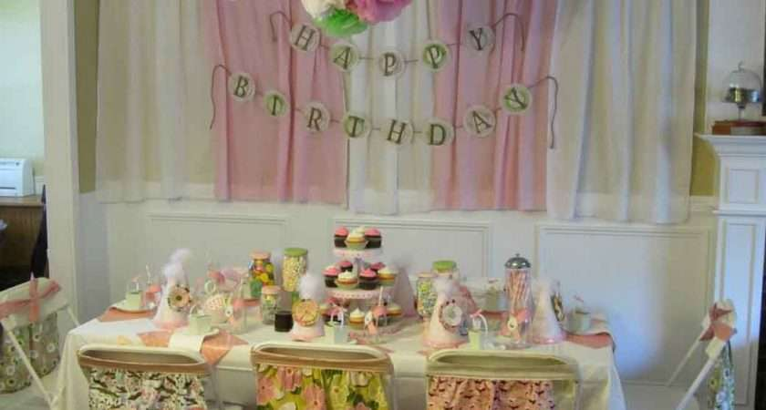 Pink Birthday Party Table Setting Design